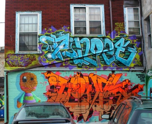 Toronto - graffiti above the line