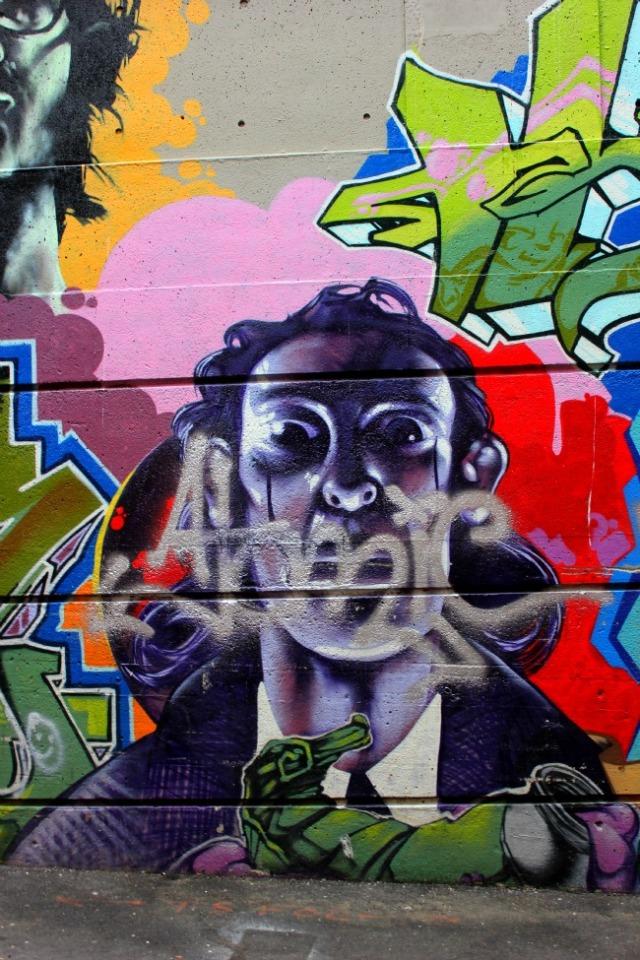 Vancouver - graffiti eyes
