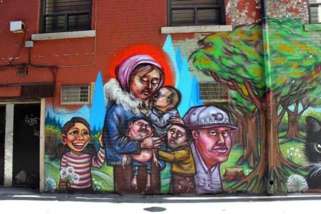Toronto - graffiti family