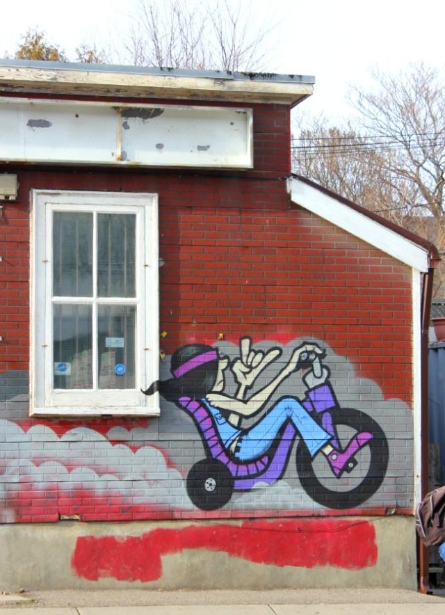 Toronto - graffiti low rider