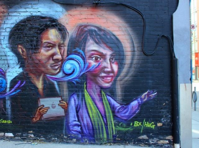 Toronto - graffiti couple