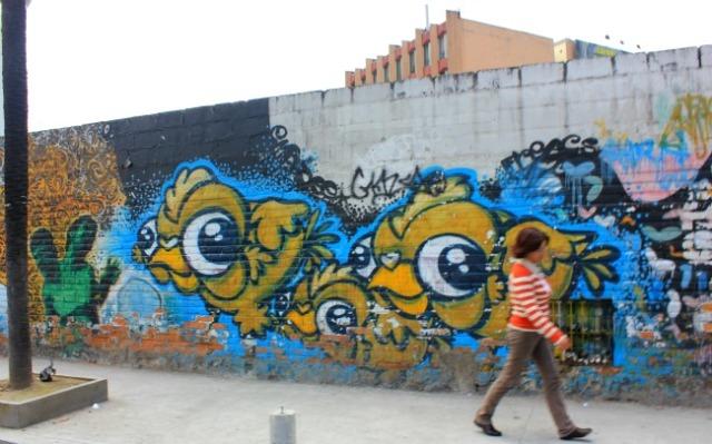 Ecuador - Quito bird mural