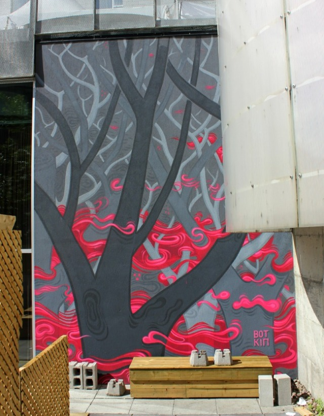 Montreal - mural tree