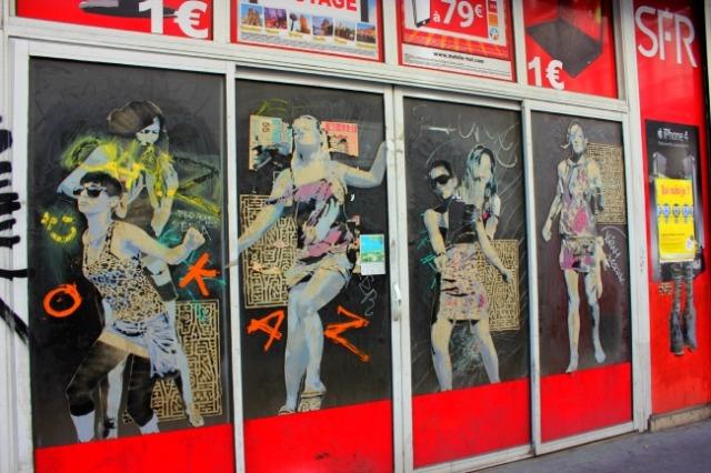 Marseille - dancing girls