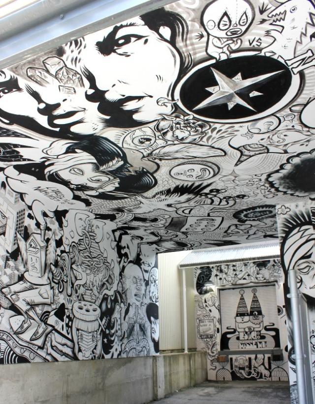 Montreal - b/w graffiti 1