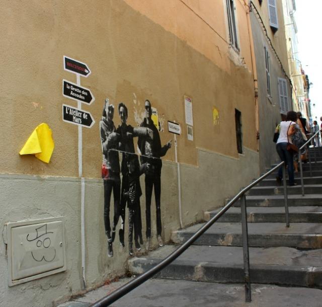 Marseille - street art this way