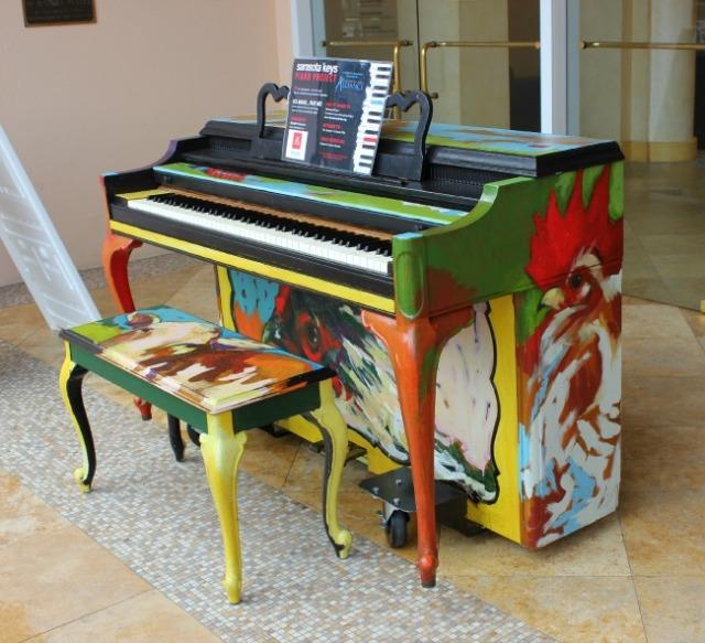 florida - sarasota chicken piano