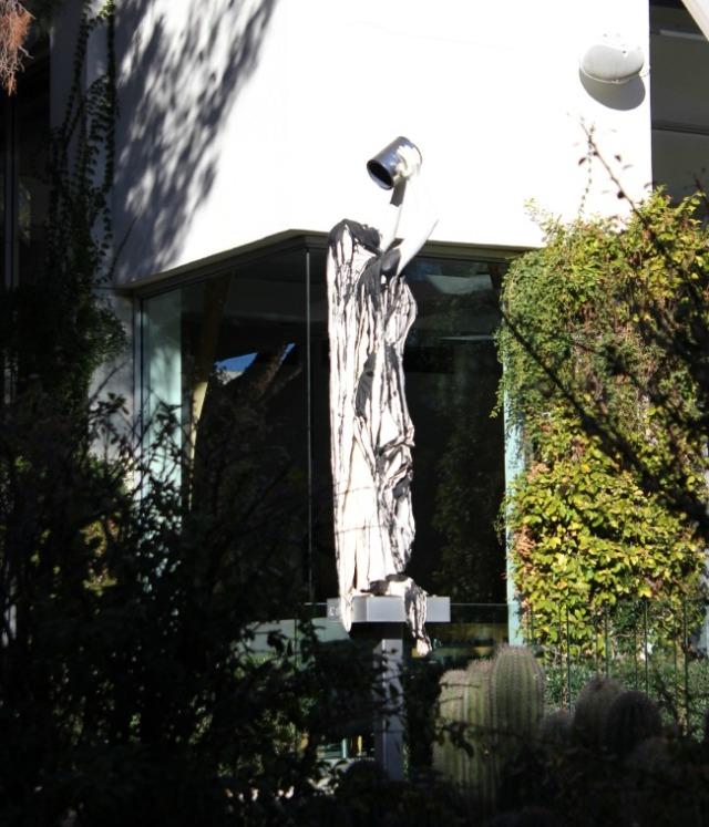 Arizona - Scottsdale sculpture w paint