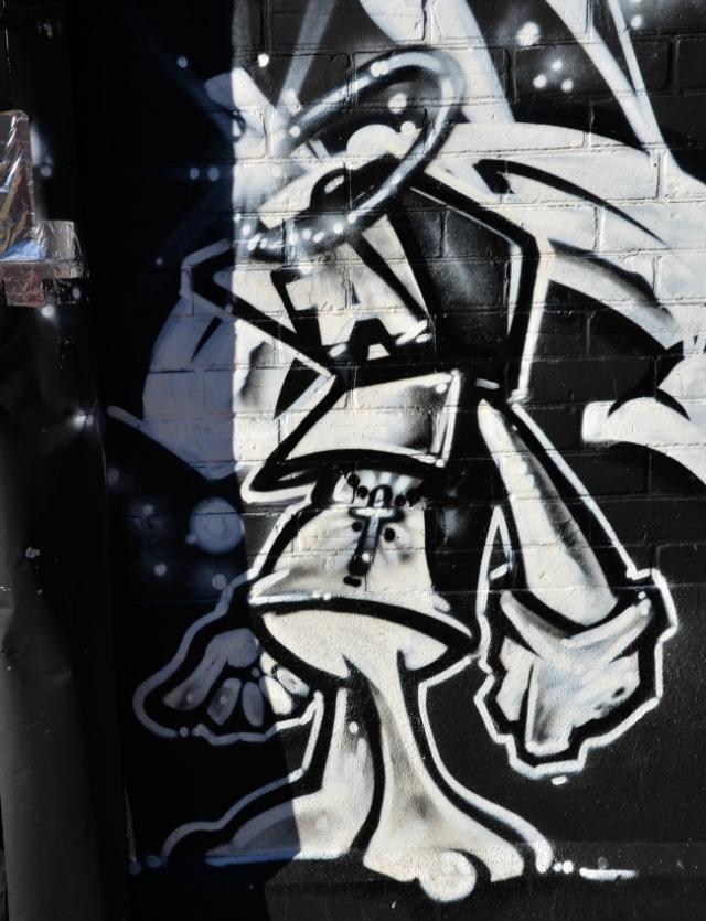 Toronto - graffiti space creature