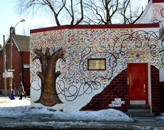 Toronto - street art tree