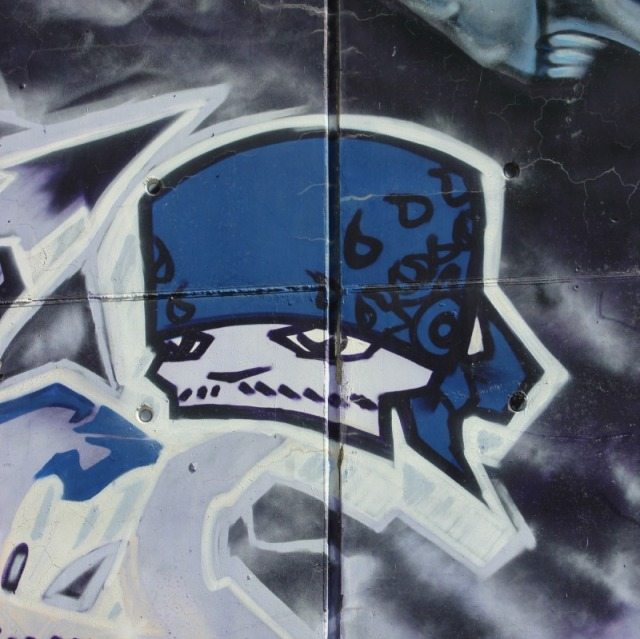 Marseille - blue graffiti