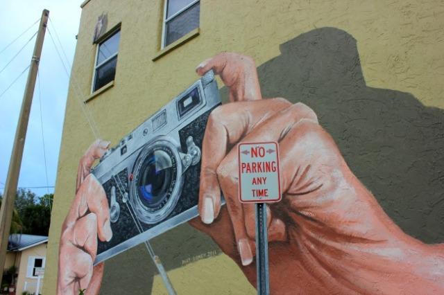 Sarasota - camera mural