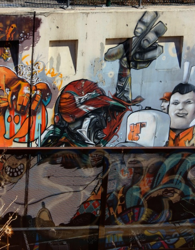 Marseille - red hat graffiti