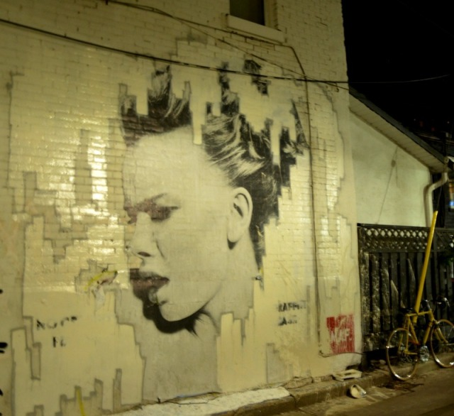 Toronto - she graffiti