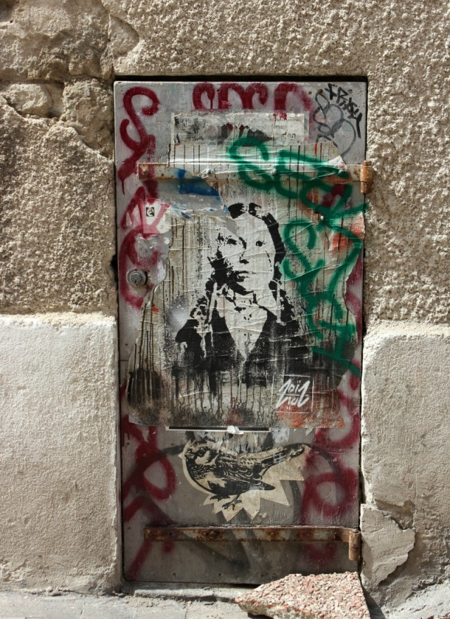 France - Marseille graffiti woman