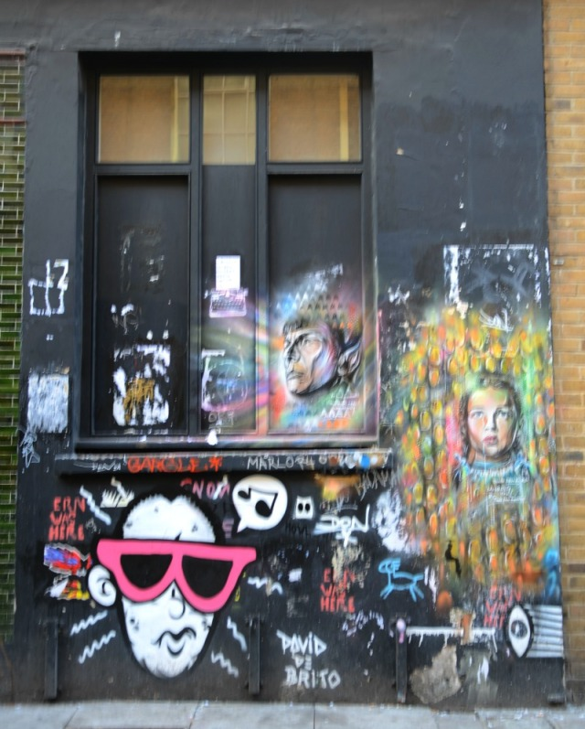 London - Brick Lane canvas