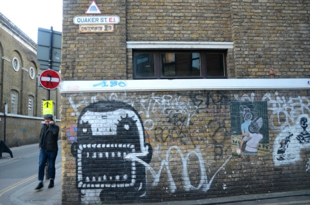 London - quaker st graffiti