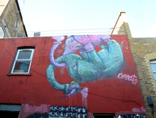 London - elephant graffiti