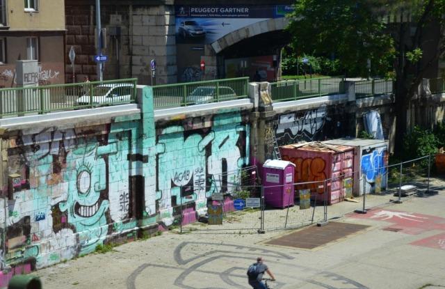 Vienna - canal graff