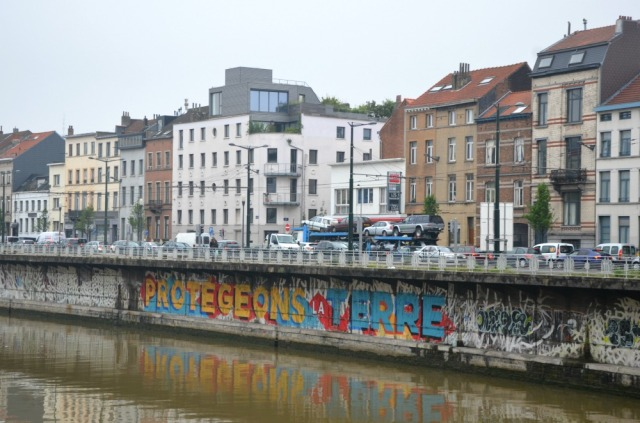 Molenbeek graffiti